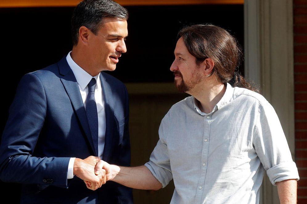 Foto: Pedro Sánchez recibe en La Moncloa a Pablo Iglesias, el pasado 6 de septiembre. (EFE)