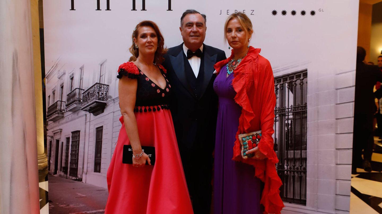 Mariola Orellana en el photocall de la inauguración del hotel Casa Palacio María Luisa.
