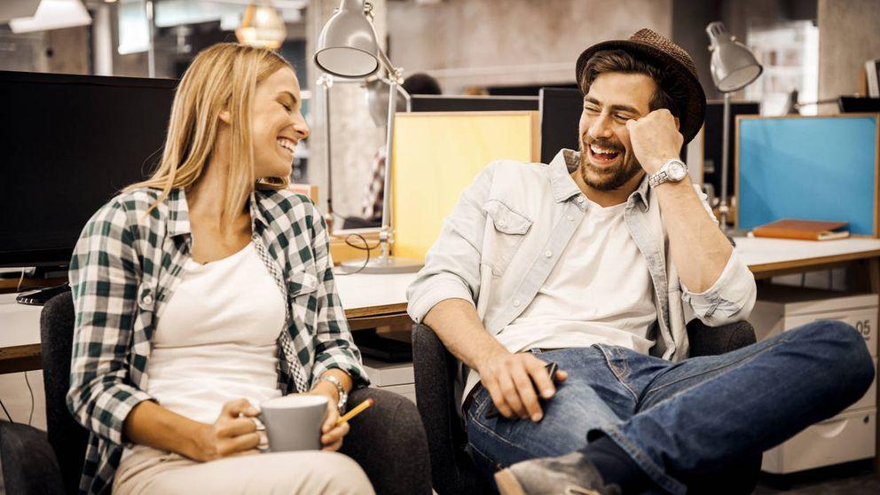 Por qué es inevitable enamorarte de tus compañeros de trabajo
