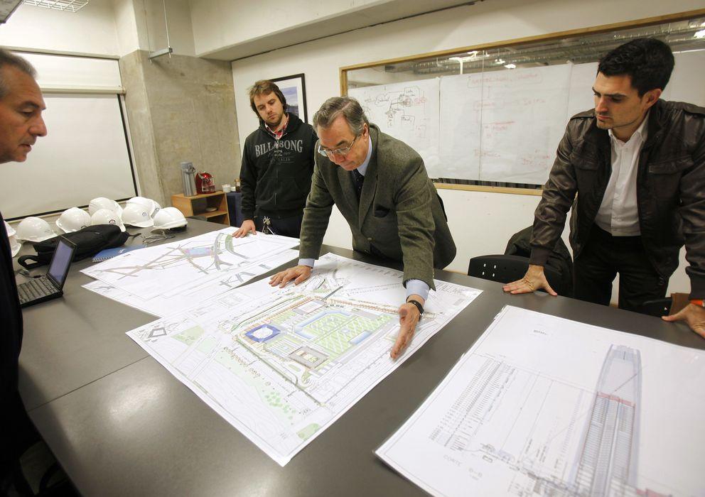 Paro los tres gr ficos que se alan las profesiones en las - Trabajo para arquitectos en espana ...