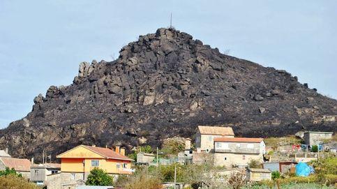 Rocas de 10 toneladas amenazan la aldea gallega de la Zona Cero de los incendios