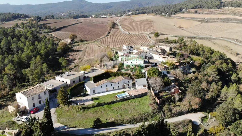 Vista aérea del poblado en venta. (Fotocasa)