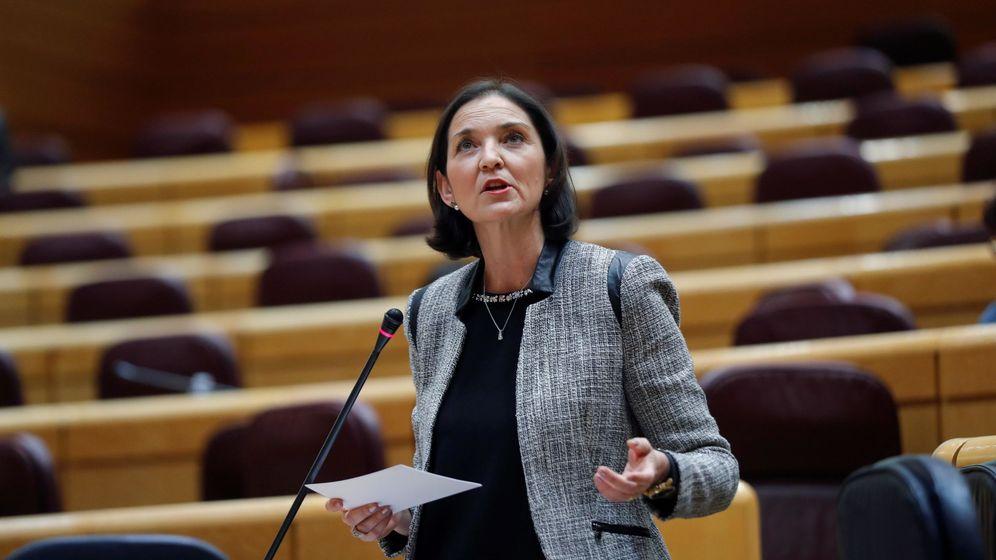 Foto: La ministra de Industria, Comercio y Turismo, Reyes Maroto, durante la sesión de control al Gobierno en el Senado. (EFE)