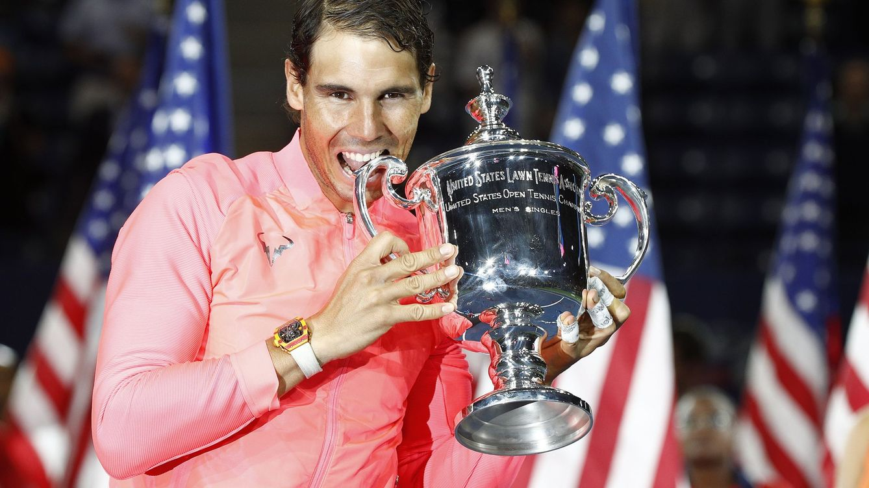 Foto: Rafa Nadal, con el trofeo del US Open. (Reuters)