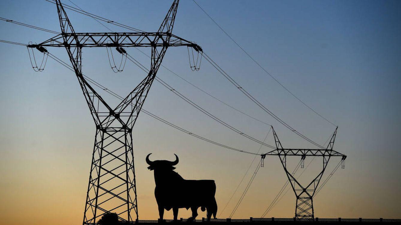 Medio millón de multa a dos eléctricas por el traspaso de clientes sin consentimiento