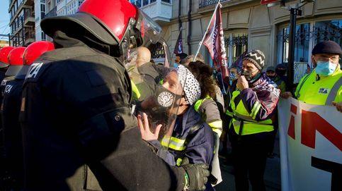 Protestas por despidos en Tubacex en Vitoria