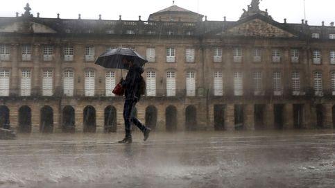 Galicia cierra municipios y actividad no esencial y limita reuniones a convivientes