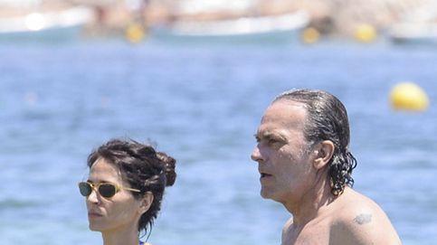José Coronado, de vacaciones en Ibiza con sus 'chicas'