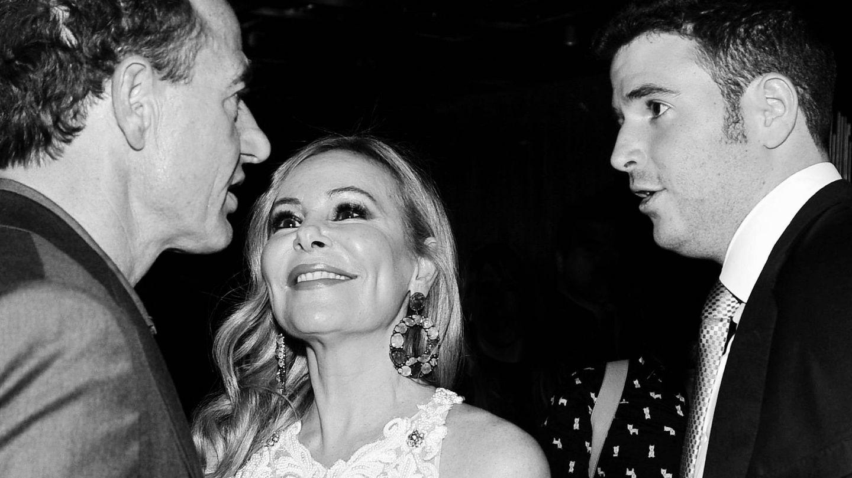Álex Lequio, con sus padres, Ana y Alessandro. (Getty)