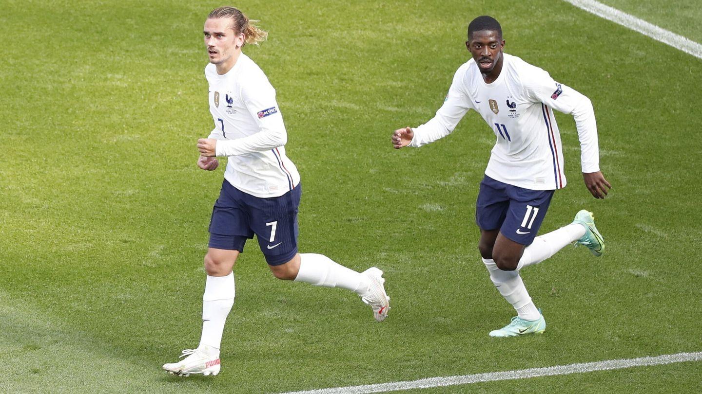 Griezmann y Dembélé, durante un partido de la selección francesa. (Reuters)