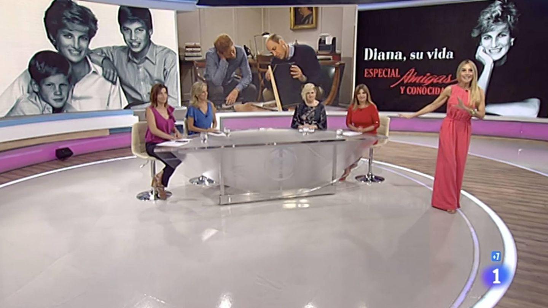 Berta Collado sustituyó a Inés Ballester al frente del especial de 'Amigas y conocidas'.