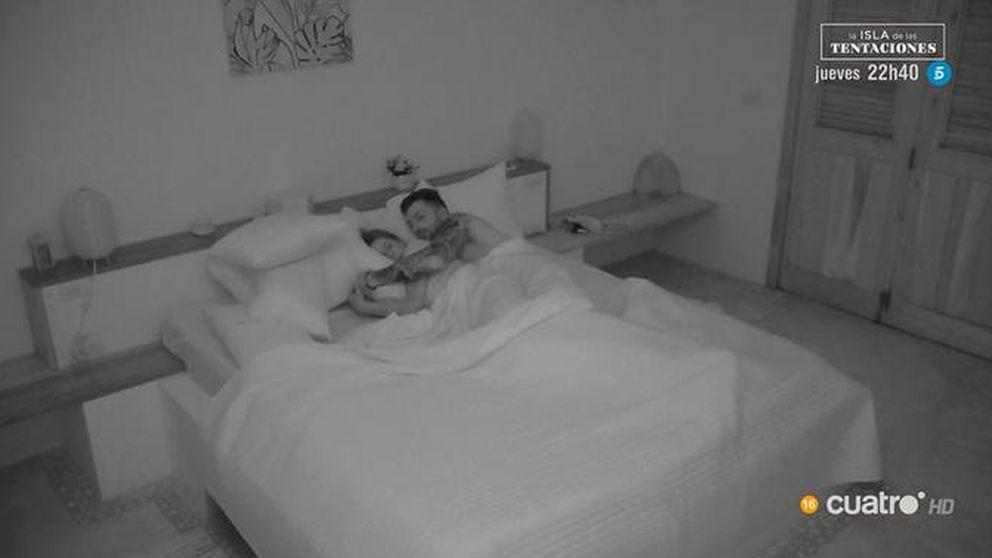 Fani, desatada, duerme con Rubén en 'La isla...': Ahora ya, sin frenos
