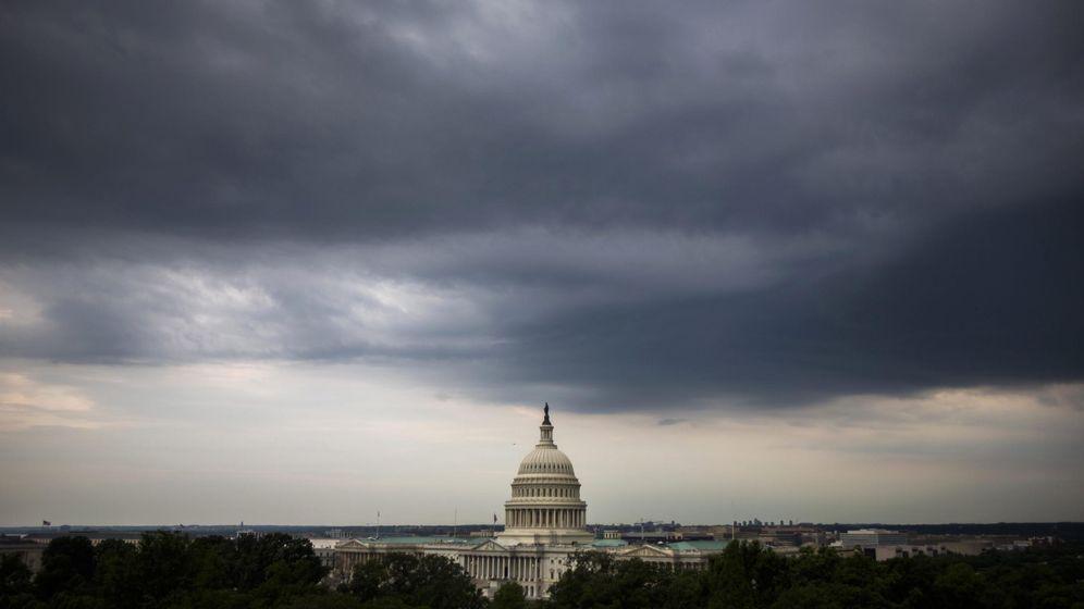 Foto: Nubes grises sobre el Capitolio (Efe)