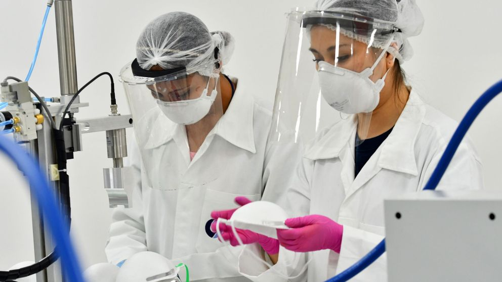 Las mascarillas reducen los contagios de covid-19 un 50% si las llevan los infectados