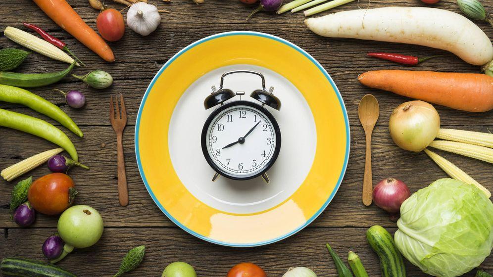 Foto: La hora a la que comemos importa tanto como el qué. (iStock)
