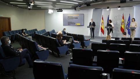 Vuelven los periodistas a la Moncloa... y otros preguntan por videollamada