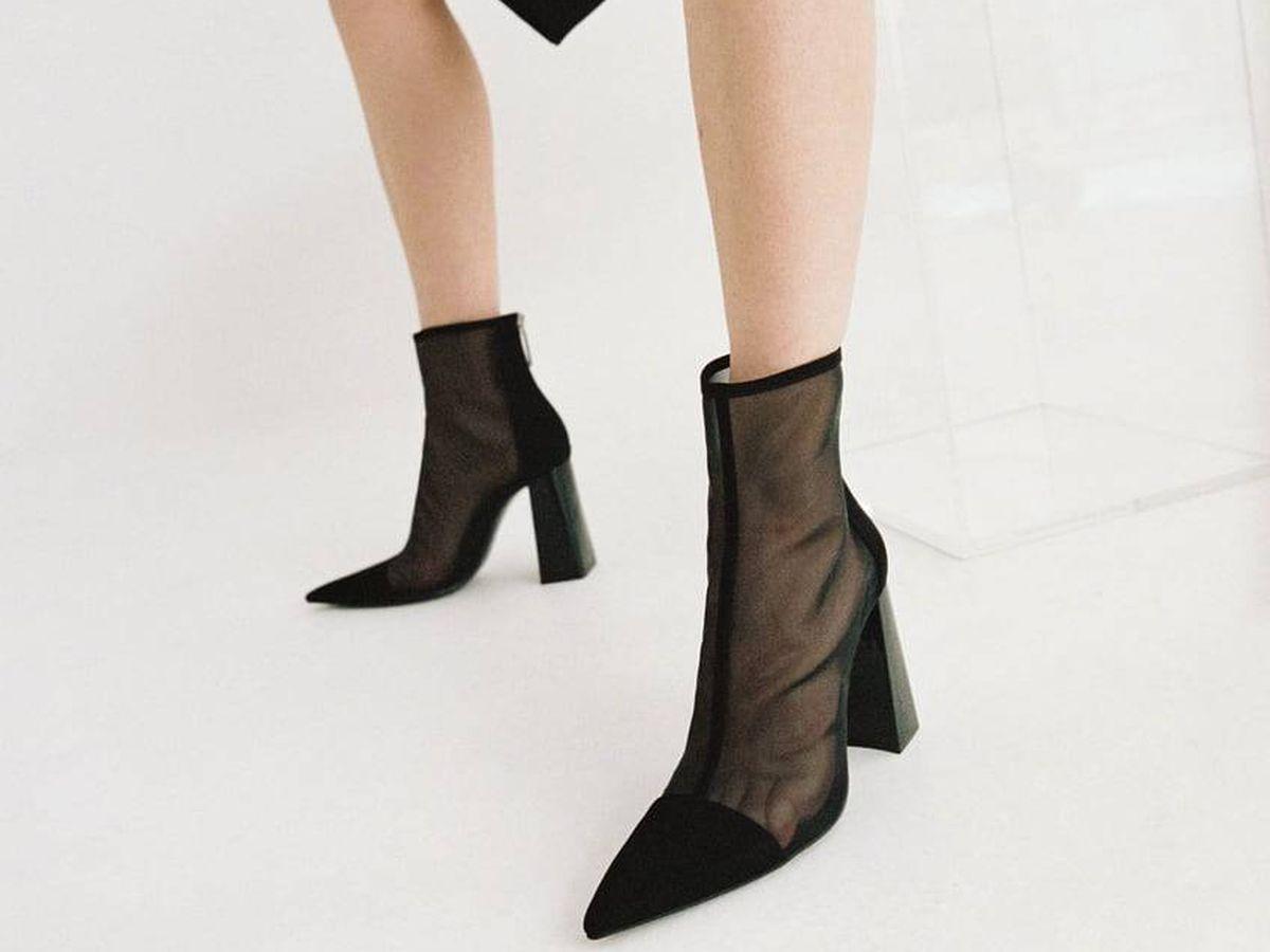 Foto: Botines negros de la nueva colección de Zara. (Cortesía)