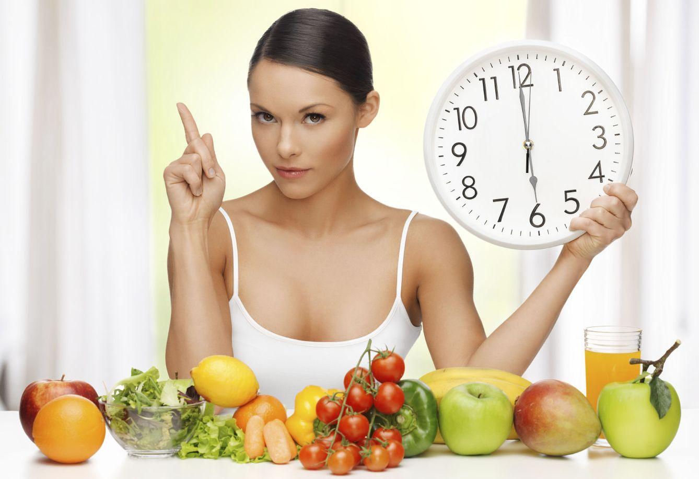 Foto: Hazle caso y no te saltes la dieta. ¡Evita el momento 'gordo' y salvarás tu cintura! (iStock)
