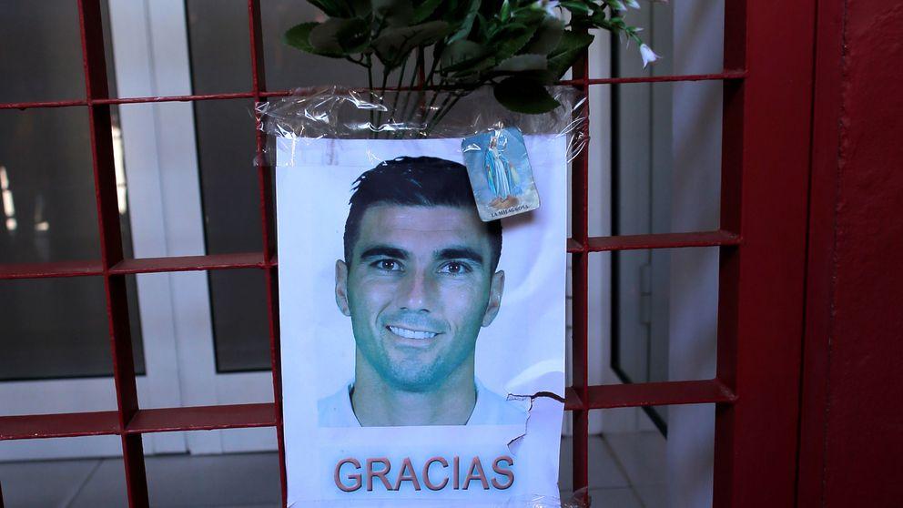 Capilla ardiente de Reyes: último adiós de sus allegados y de la afición