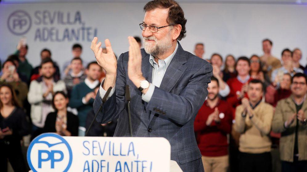 Foto: El presidente del Gobierno, Mariano Rajoy, durante su intervención en la clausura de un acto del PP de Sevilla, este 20 de enero. (EFE)