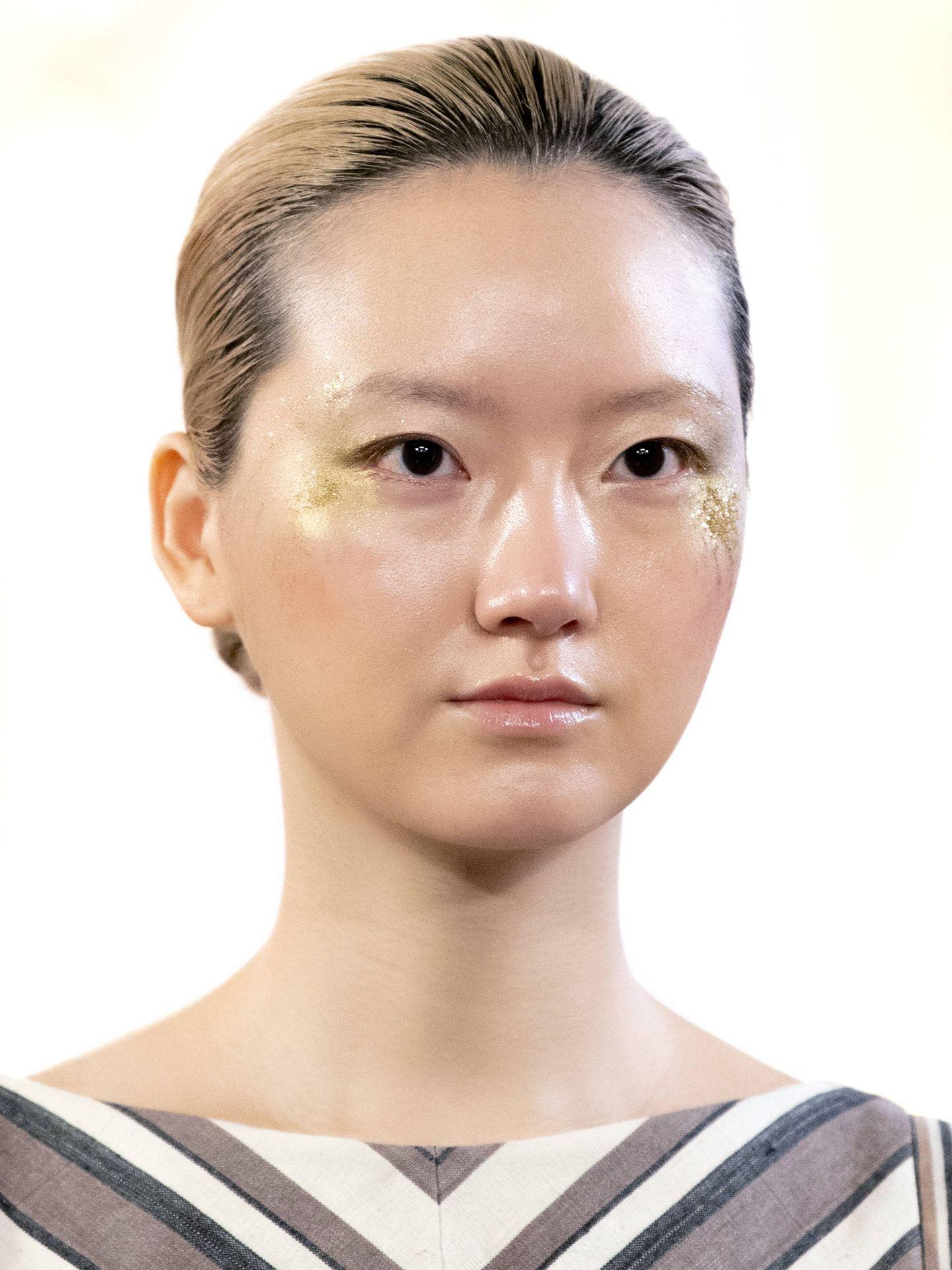 Los sérums efecto peeling unifican el tono de la piel y mejoran la iluminación. (Imaxtree)