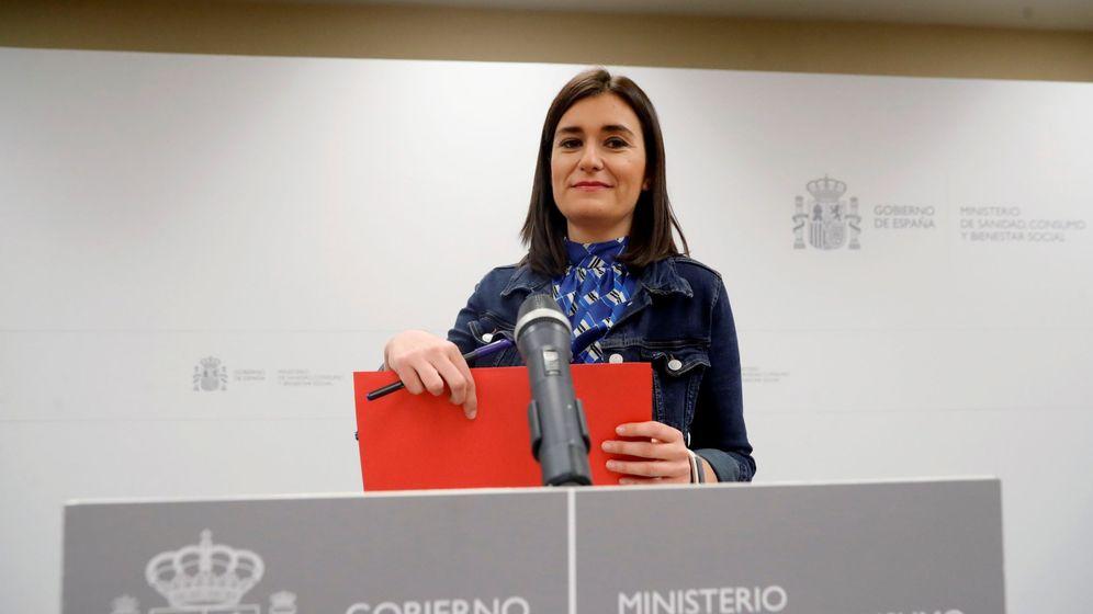 Foto: La exministra de Sanidad Carmen Montón anuncia su dimisión. (EFE)