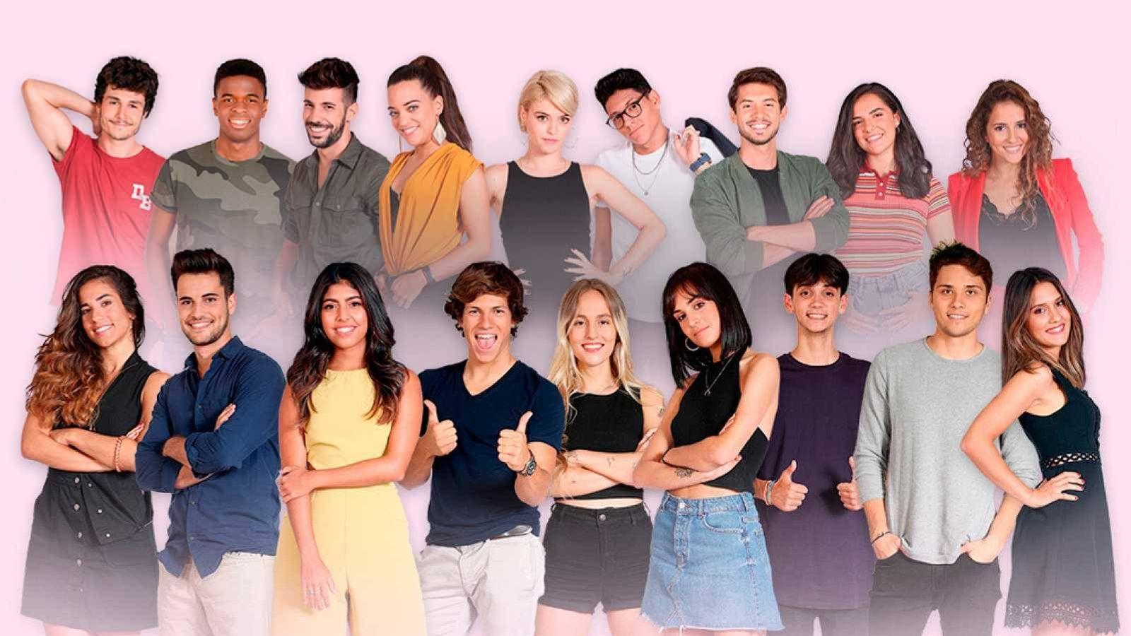 Foto: Los 18 aspirantes de 'OT 2018' que actuaron en la gala 0. (TVE)