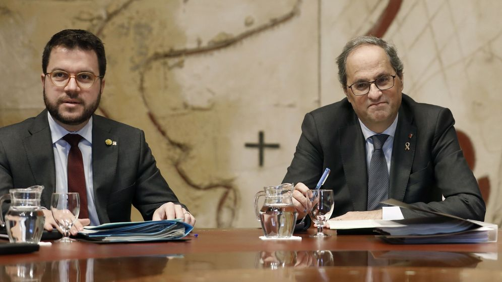 Foto: El presidente de la Generalitat, Quim Torra, junto a su vicepresidente, Pere Aragonès (i), durante la reunión semanal del Gobierno de la Generalitat. (EFE)