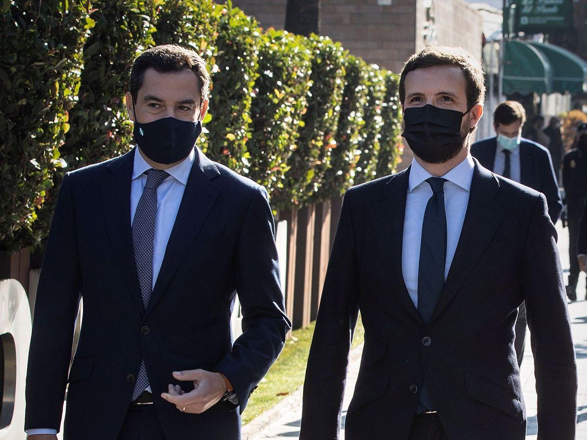 Foto: Pablo Casado junto al jefe del Ejecutivo andaluz, Juanma Moreno. (EFE)