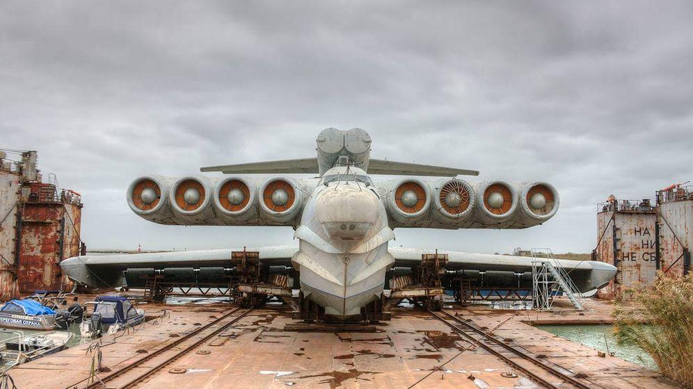 Foto: El Erkanoplano MD-160 Lun, abandonado en la base naval de Kaspiysk. (Foto: Igor113)