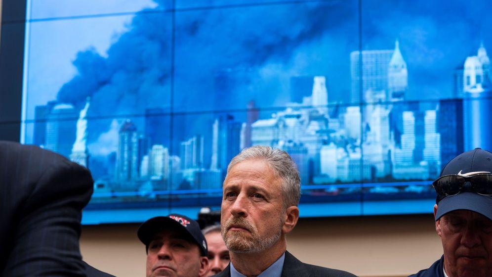 Foto: Jon Stewart, durante la audiencia a la que apenas asistieron congresistas. (EFE)