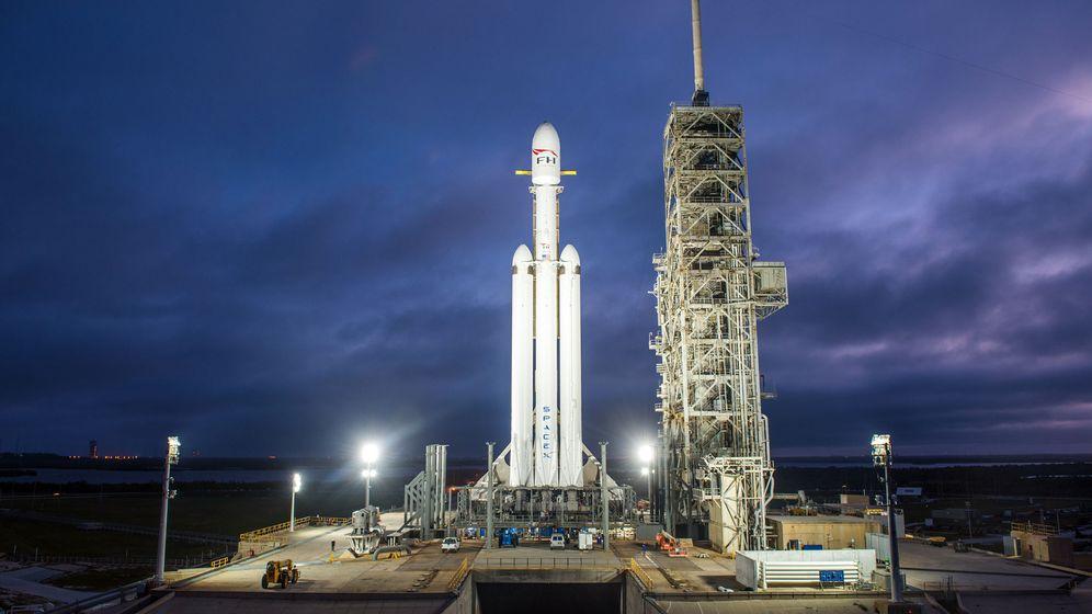 Foto: Spacex lanzará su Falcon Heavy, el cohete operativo más potente del mundo (Foto: EFE)