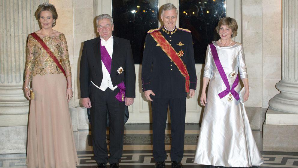 Matilde de Bélgica, lección de estilo y clasicismo en una cena de gala