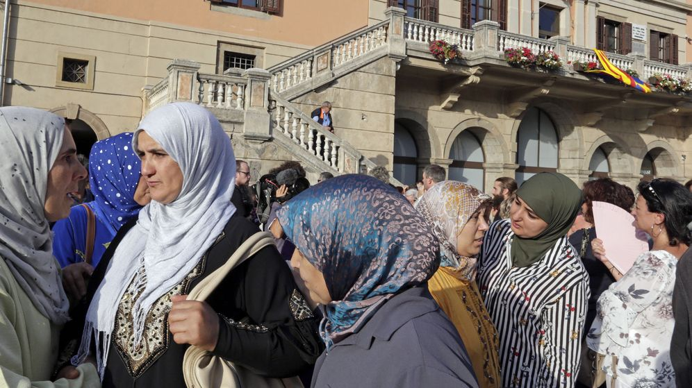 Foto: Concentración contra del terrorismo en Ripoll tras los atentados. (EFE)