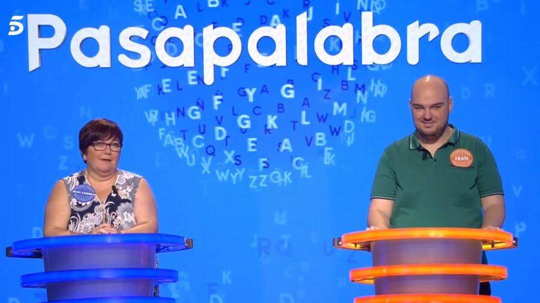 Mari Carmen y Fran González, en 'Pasapalabra'. (Mediaset España)