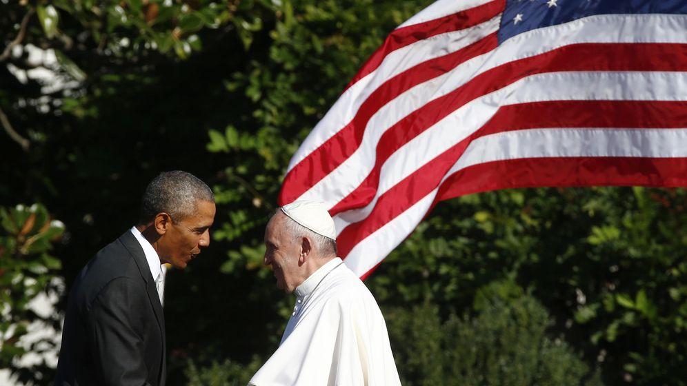 Foto: El presidente Barack Obama saluda al Papa Francisco durante una ceremonia de bienvenida en la Casa Blanca, Washington, el 23 de septiembre de 2015 (Reuters).