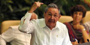 Castro aboga por limitar el desempeño de cargos políticos