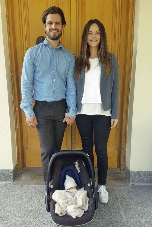 Foto: Carlos Felipe y Sofía junto a su hijo Gabriel. (Gtres)