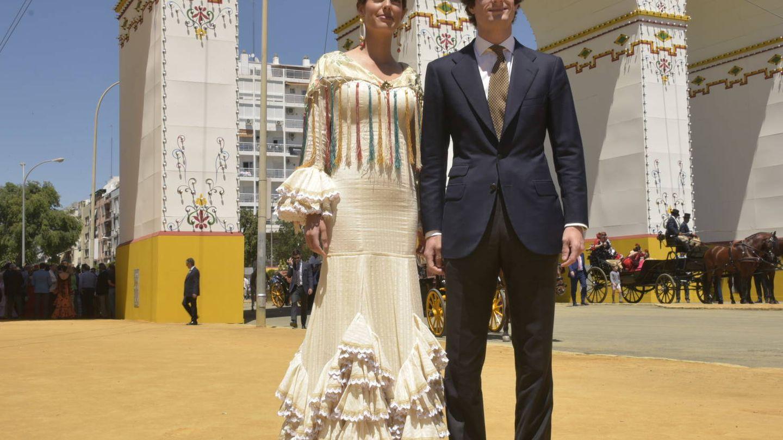 Sofía Palazuelo y Fernando Fitz-James Stuart en la Feria de Abril. (Sevilla Press)