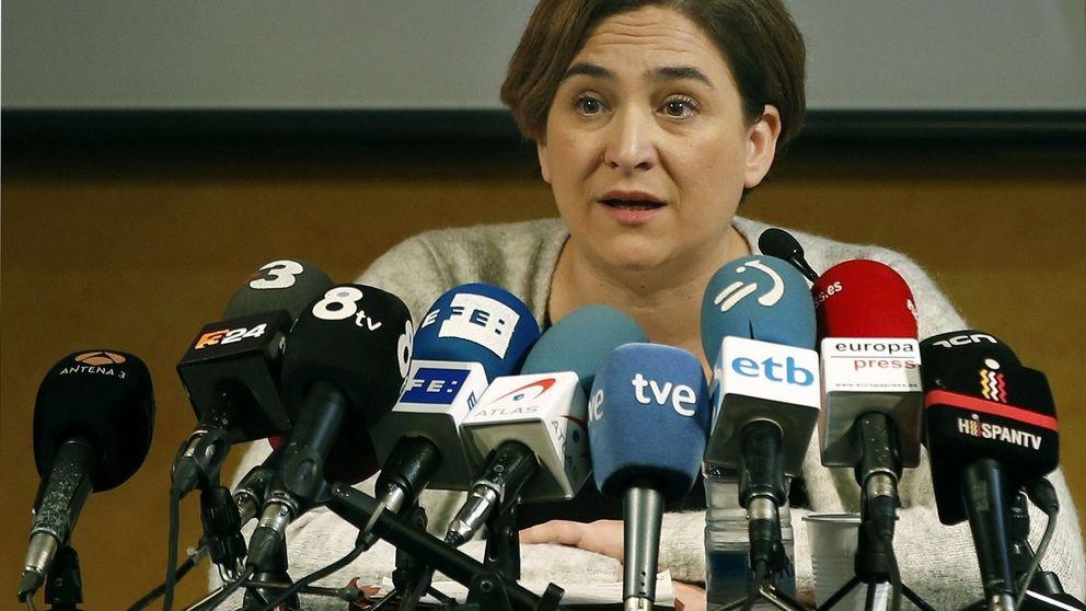 Colau pide la libertad para los titiriteros al no ver delito en su actuación