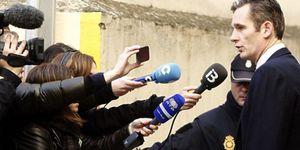 La infanta Cristina arropa a UrdangarÍn en su viaje a Palma para declarar