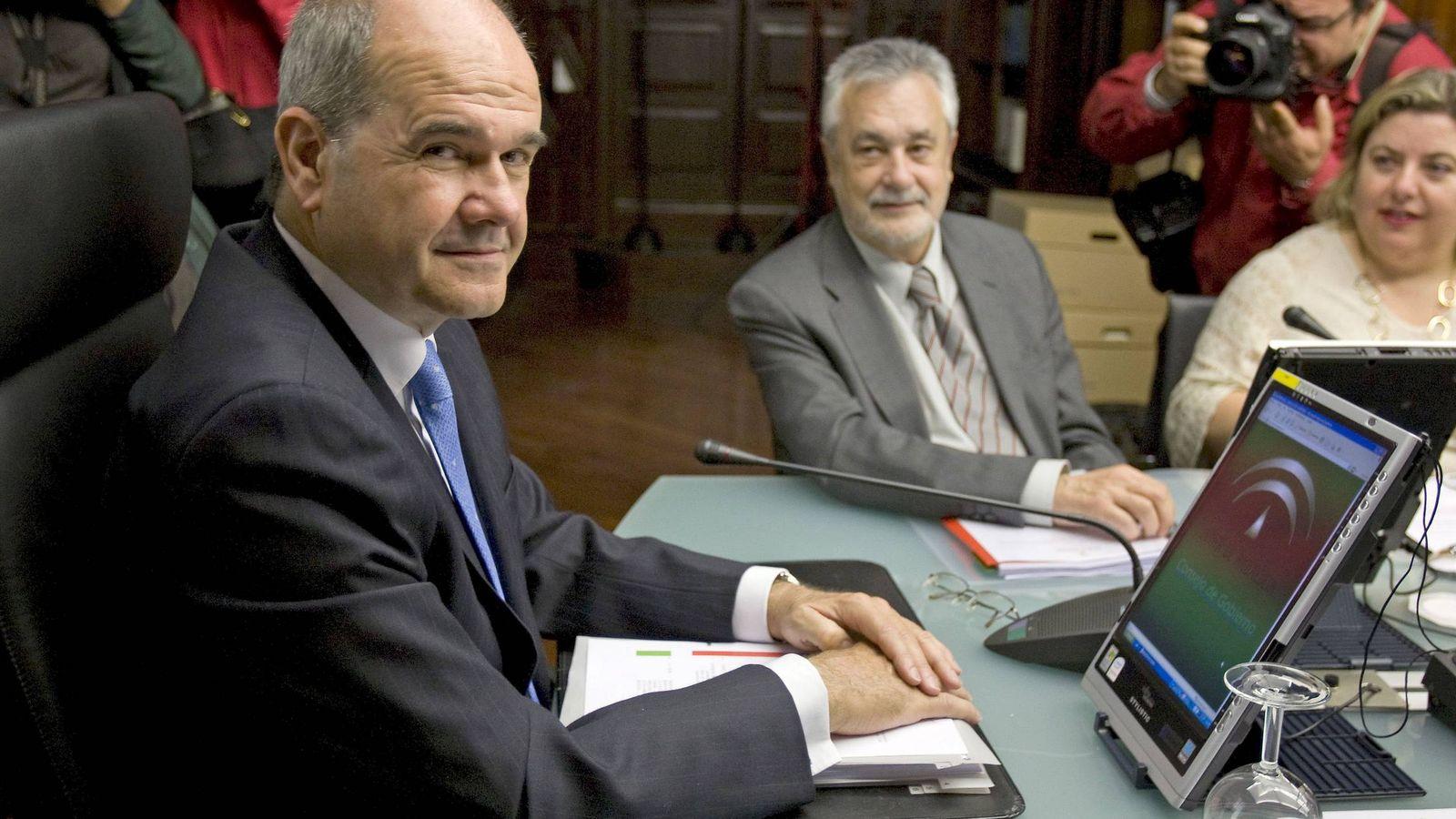 Foto: Chaves y Griñán, en una imagen de archivo. (Efe)
