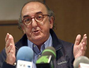 Roures reta a Polanco: o negocia o no habrá fútbol televisado en agosto