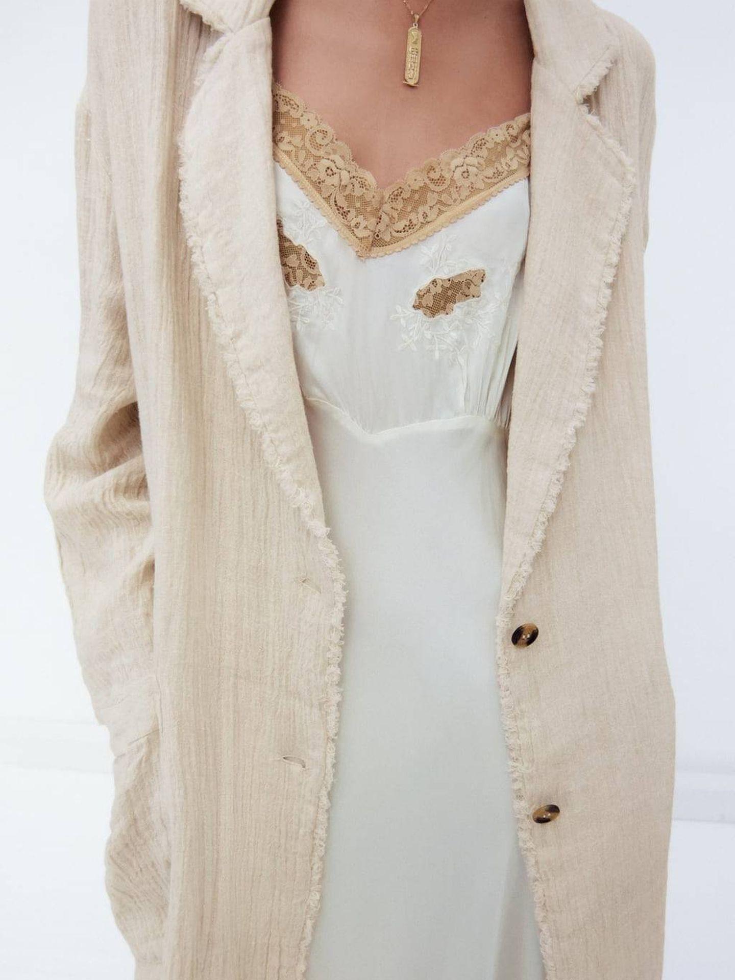 Chaqueta de lino de Zara. (Cortesía)