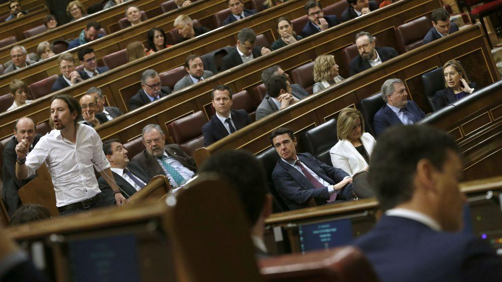 Foto: El líder de Podemos, Pablo Iglesias, durante la segunda jornada del debate de investidura de Pedro Sánchez, el pasado día 2. (EFE)