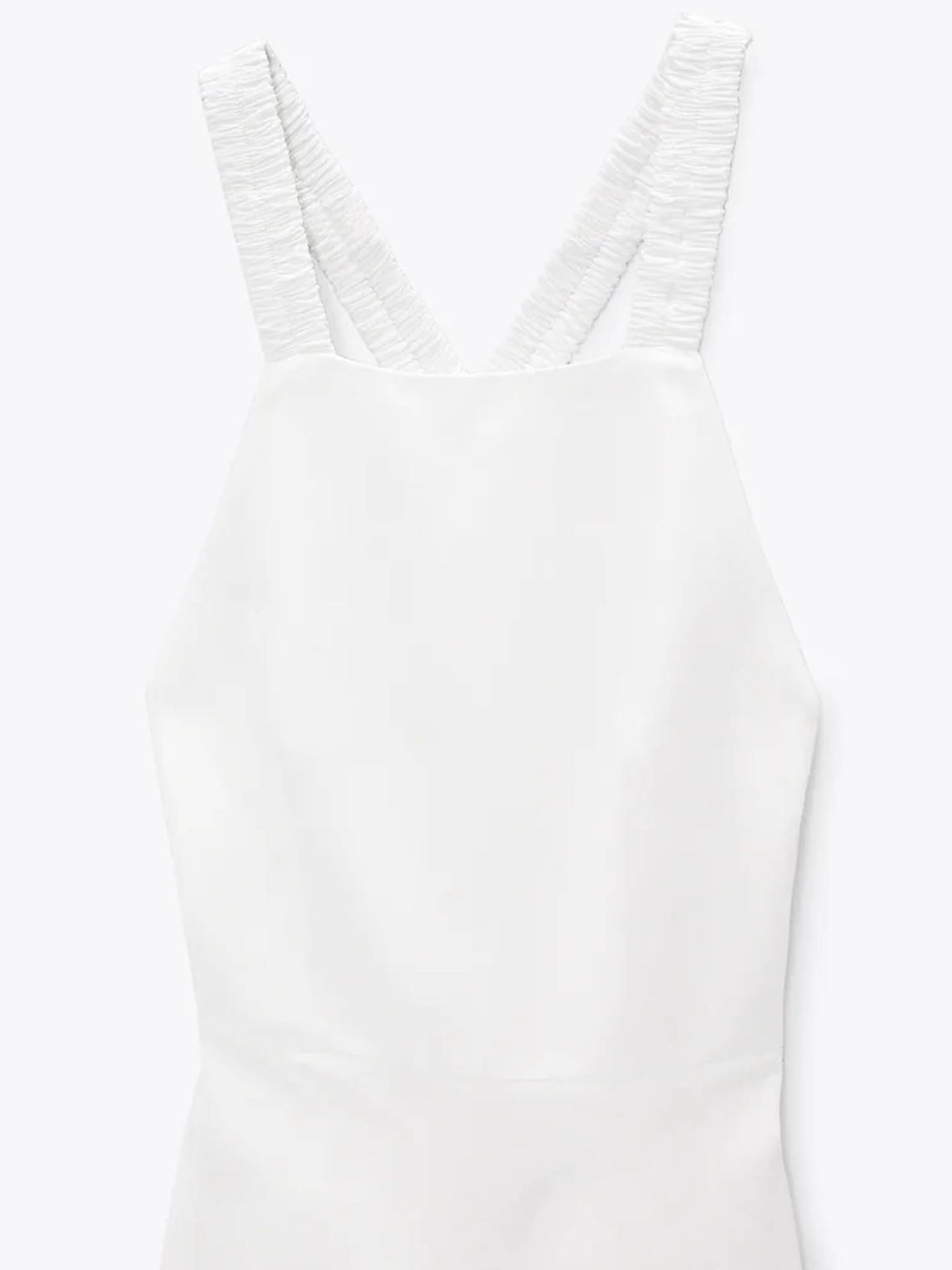 Vestido blanco de Zara. (Cortesía)