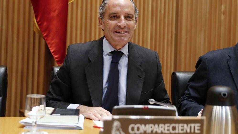 Foto: El expresidente de la Comunidad Valenciana Francisco Camps, durante su comparecencia ante la Comisión de Investigación sobre la presunta financiación ilegal del PP la semana pasada. (EFE)