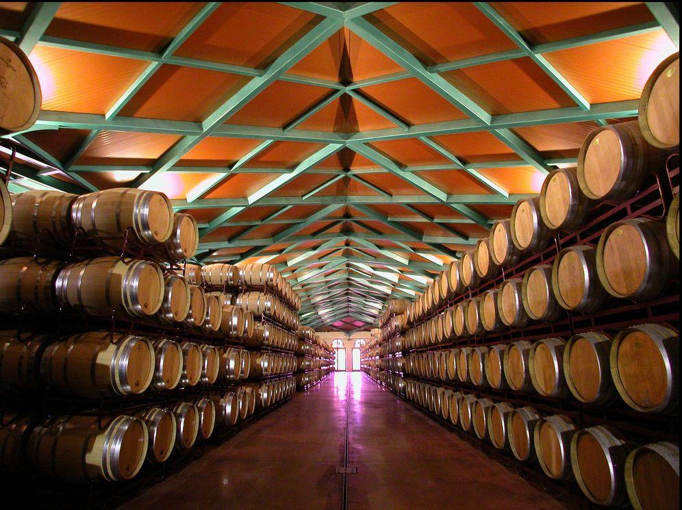 Foto: Interior de la bodega más grande de Aragón. (Foto: Grandes Vinos)