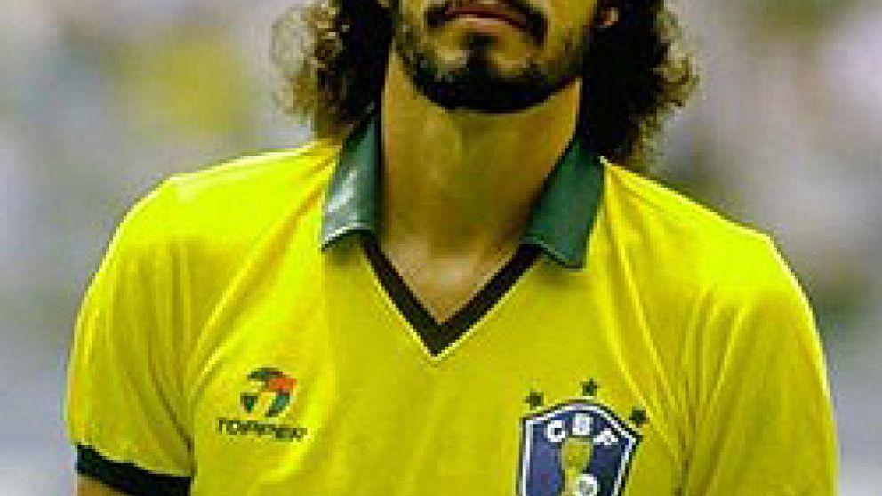 Sócrates, de 'Doctor' a paciente por 'sobredosis' de fútbol y alcohol