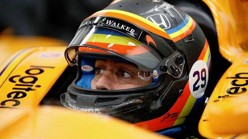 Foto: Fernando Alonso en su monoplaza de la Indy en 2017.